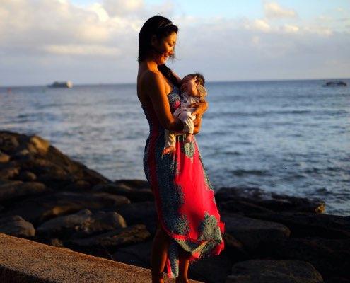 リサは写真家であり、小さい女の子のママでもあります